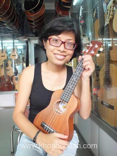 học đàn ukulele ở đâu tại TPHCM giá rẻ tốt