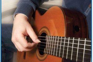 Hướng dẫn tư thế đặt tay khi chơi đàn guitar