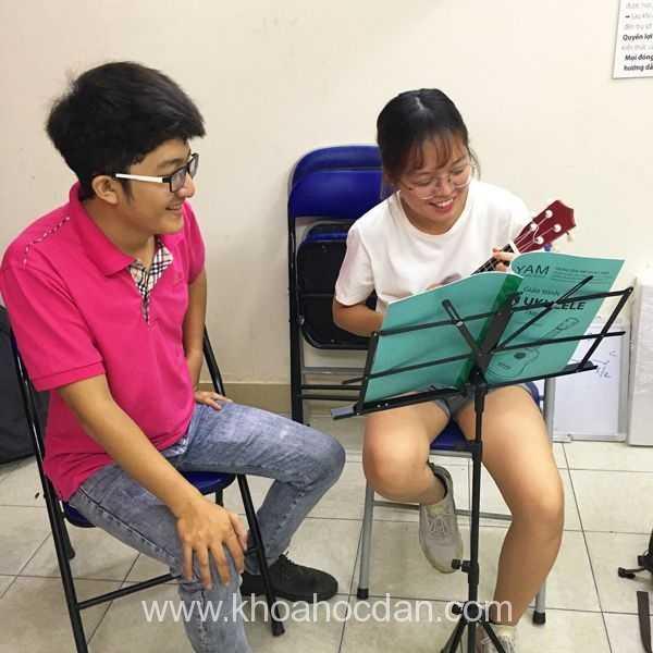 Khóa học đàn ukulele online trực tuyến trên mạng