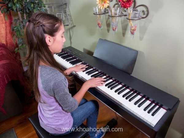 Những lợi ích khi con của bạn học đàn piano