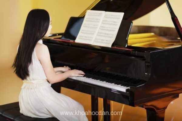Khóa học đàn piano cho trẻ em bé 4-5 tuổi
