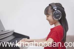 Lợi ích của headphone khi chơi đàn piano điện